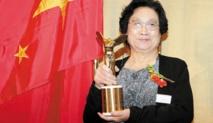 """La co-lauréate chinoise du Nobel de médecine, Tu Youyou, """"pas si étonnée"""""""
