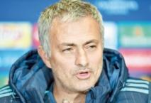 Mourinho, sanctionné, plaide des lacunes en anglais