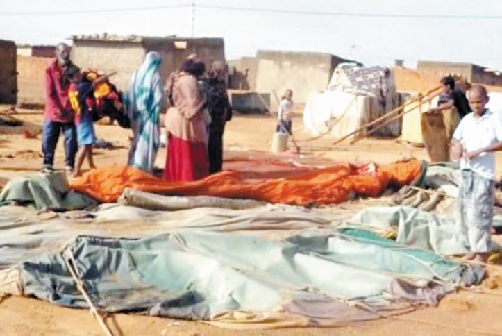 Les tentes destinées aux sinistrés des camps de Tindouf vendues au marché noir par le Polisario