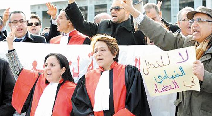 Les magistrats portent de nouveau le brassard en signe de protestation