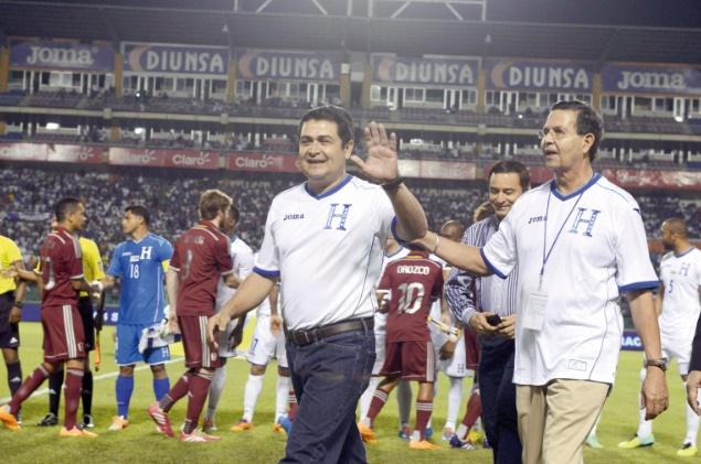 Le président de la fédération hondurienne et le vice-président suspendu de la FIFA plaident non coupable à New York