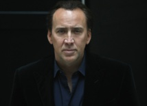 Nicolas Cage restitue un crâne de dinosaure volé en Mongolie