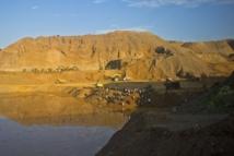 Des dizaines de disparus dans un glissement de terrain en Birmanie