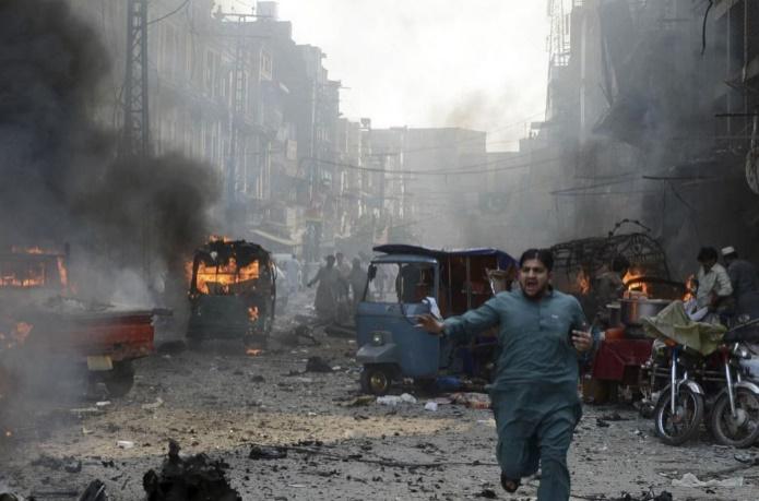 Un attentat suicide fait 14 morts dans le nord-ouest du Pakistan