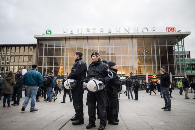 Des étrangers agressés par des inconnus à Cologne