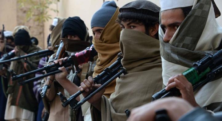 """Le président afghan promet d'""""enterrer"""" les combattants de l'EI"""
