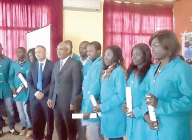 Remise des diplômes aux migrants africains au terme d'une formation dans les professions agricoles