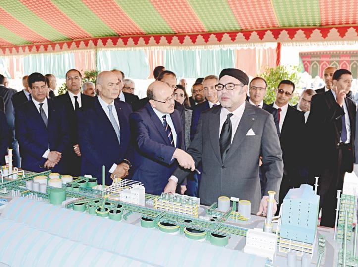S.M le Roi inaugure une usine de production d'engrais et une unité de dessalement de l'eau à Jorf Lasfar