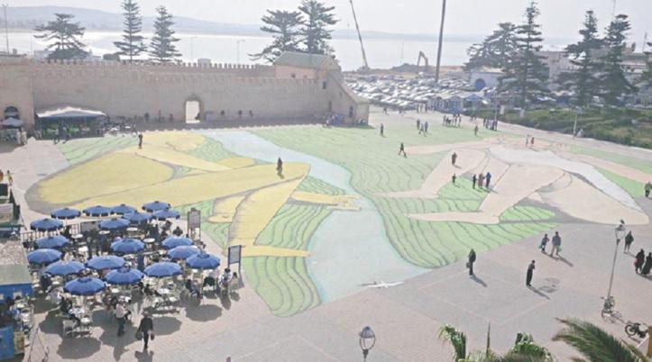 Giacomo Bufarini réalise la plus grande fresque d'Afrique du Nord à Essaouira