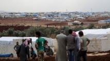 Les camps de déplacés syriens à la frontière turque sont saturés