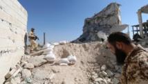 Les zones rebelles d'Alep se préparent à endurer un siège