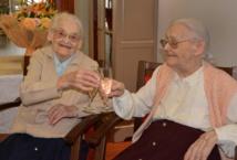 Deux jumelles fêtent leurs 208 ans