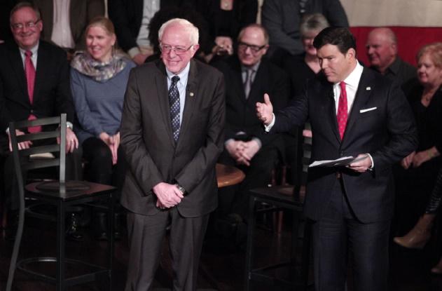 Sanders surprend les sondages en battant Clinton dans le Michigan