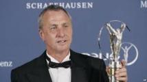 """L'hommage de Barcelone à Cruyff """"Il a fait de nous des gagnants"""""""
