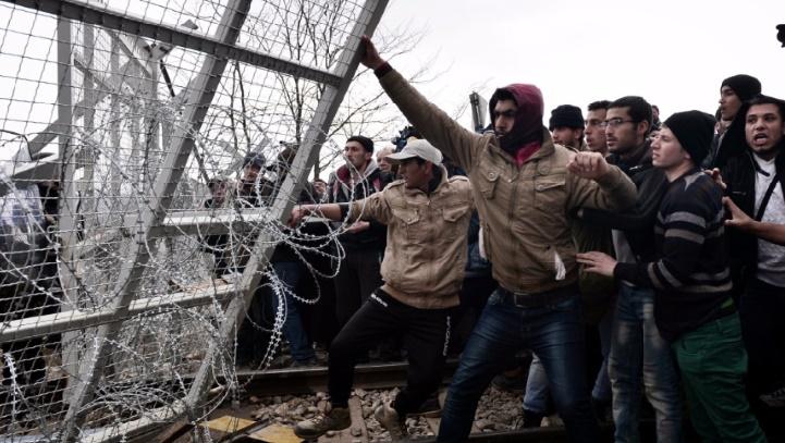 Nouveaux affrontements entre migrants en Grèce