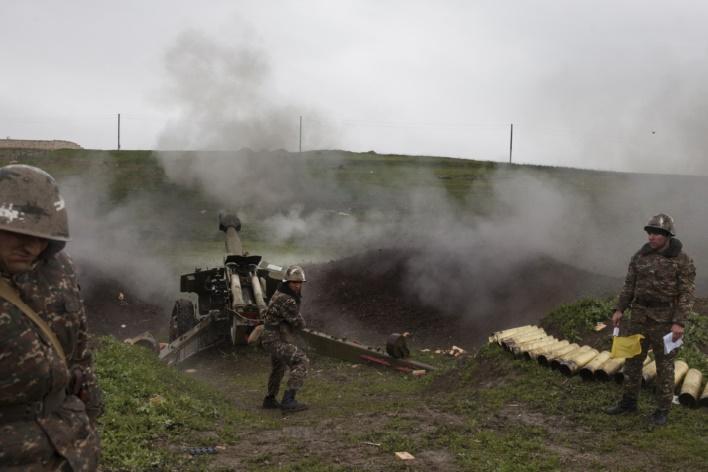 Au moins 64 morts depuis la reprise des combats au Nagorny-Karabakh