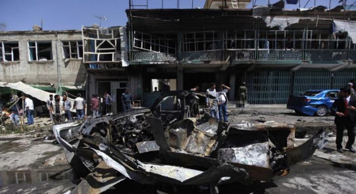 Attentat à la voiture piégée et fusillade en plein Kaboul