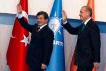 Ahmet Davutoglu sur le départ, Erdogan consolide son pouvoir en Turquie