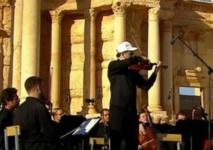 Concert d'un orchestre symphonique russe dans l'amphithéâtre de Palmyre en Syrie