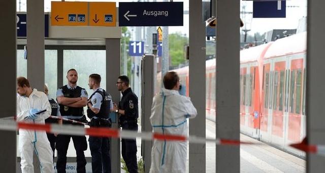 """Un mort et trois blessés dans une attaque """"a priori islamiste"""" en Allemagne"""