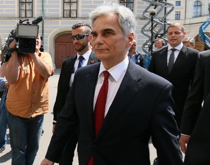 Démission du chancelier autrichien emporté par les succès de l'extrême droite