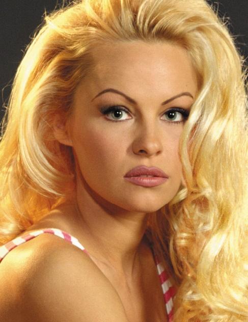 Ces grands rôles que les stars ont refusés : Pamela Anderson, the X-Files, le film (1998)
