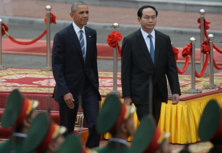 Au premier jour de sa visite à Hanoï, Barack Obama annonce la levée de l'embargo sur les ventes d'armes américaines au Vietnam
