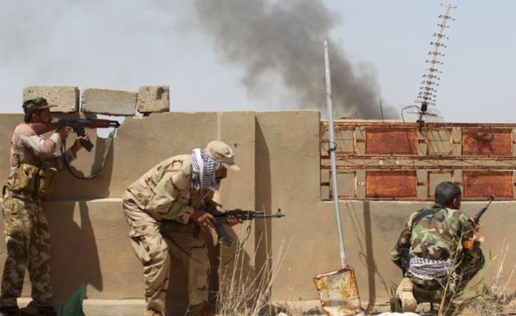 L'EI sous la pression d'une double offensive en Syrie et en Irak