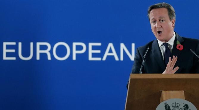 Les eurosceptiques et les europhiles britanniques au coude-à-coude quant au Brexit