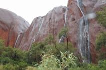 Les destinations les plus spectaculaires du monde : Les cascades d'Uluru - Australie