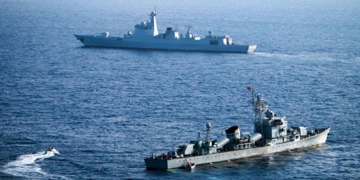 "Pékin met en garde contre le risque de ""conflit"" en mer de Chine méridionale"