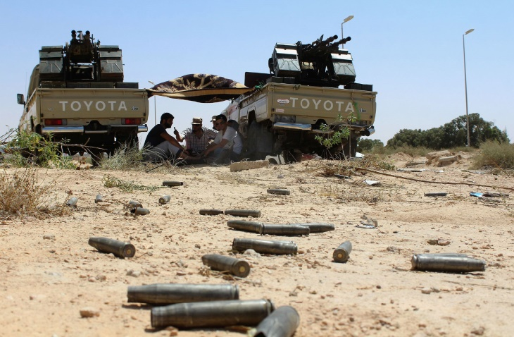Les forces libyennes annoncent deux nouvelles prises à Syrte