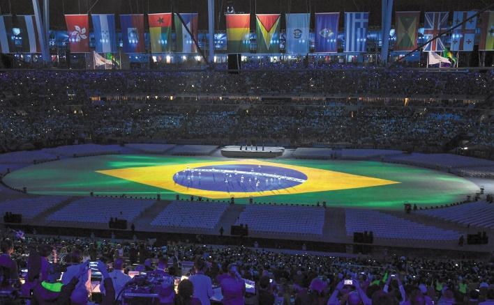 Arts et carnaval pour quitter Rio : Technologies et humour pour lancer Tokyo
