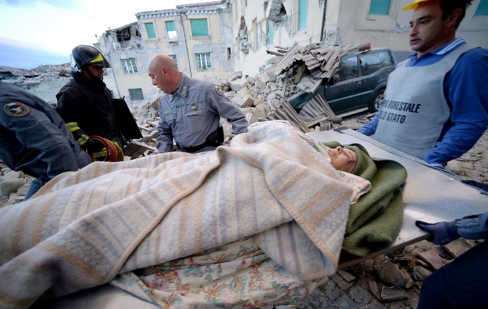 Un séisme meurtrier secoue le centre d'Italie