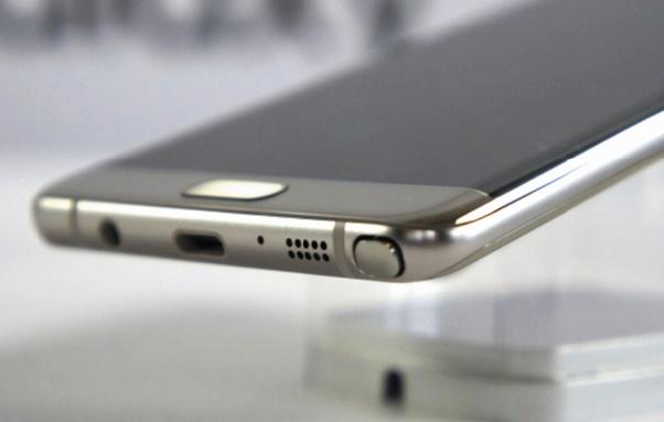 High-tech : Apple préparerait un IPhone OLED à écran incurvé