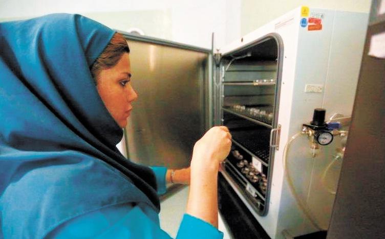 Les couples iraniens face à l'infertilité grandissante et aux tabous