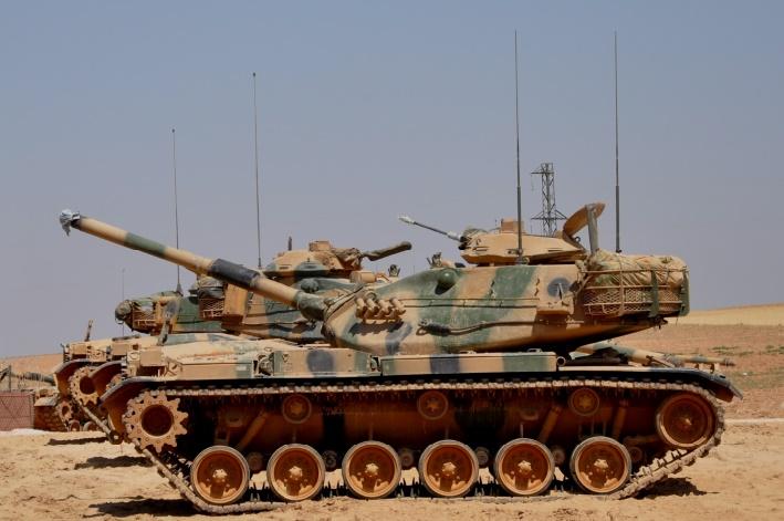 L'offensive turque en Syrie s'intensifie avec des bombardements meurtiers