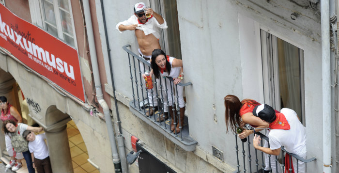 Le délire des Britanniques qui se jettent des balcons objet d'une étude