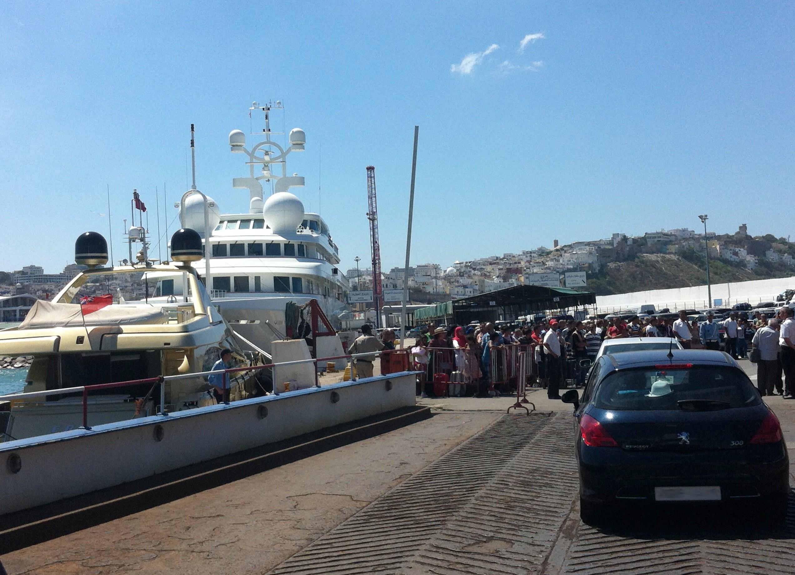 Grande affluence par  le port de Tanger ville