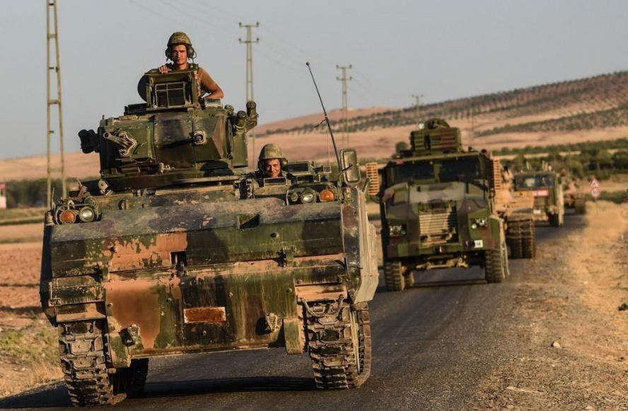 L'EI chassé de la frontière turque et succès du régime à Alep