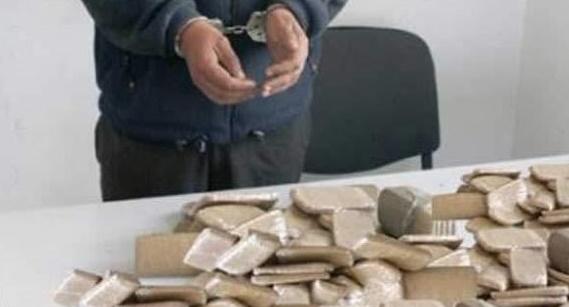 Arrestation à Hassi Berkane d'un multirécidiviste pour trafic international de drogue