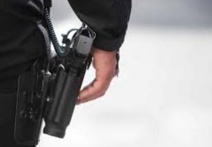 Un policier contraint de faire usage de son arme de service à Fès