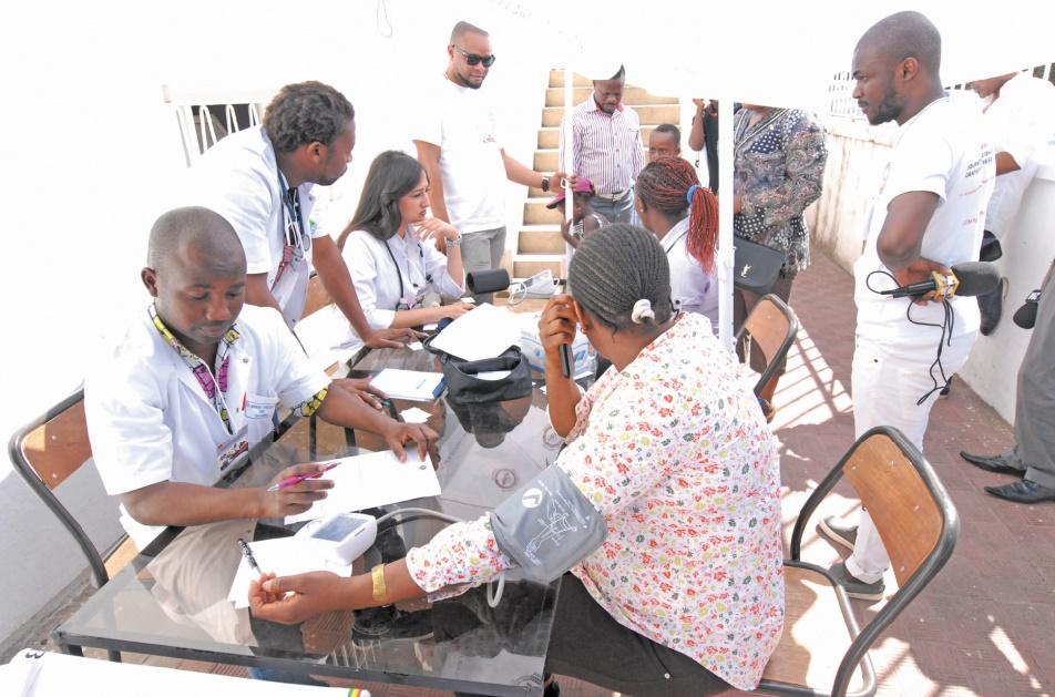 La communauté subsaharienne s'enquiert de son état de santé à Casablanca