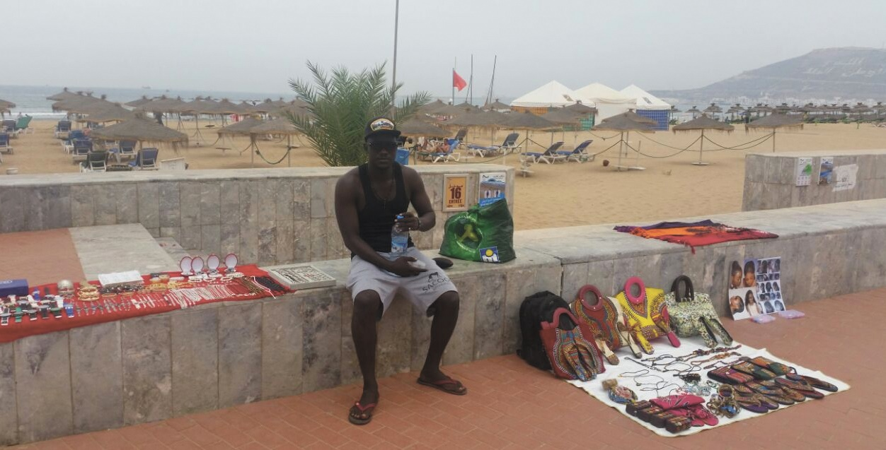 Des vendeurs sénégalais à la sauvette attirés plutôt par un retour à leur pays