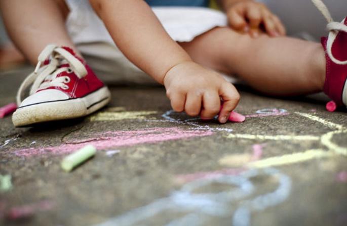 Le stress vécu dans l'enfance accélérerait le vieillissement