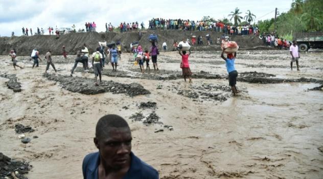 L'ouragan Matthew frappe les Etats-Unis après avoir dévasté Haïti et fait quelque 300 morts