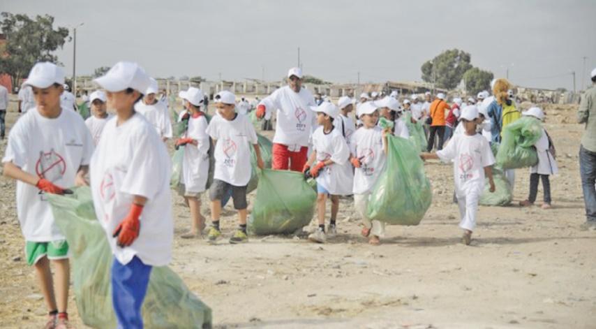 Les Marocains, entre le vœu d'un environnement propre et le regret des sacs en plastique