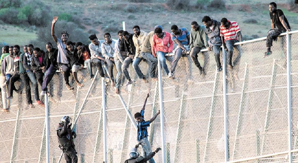 Près de 400 Subsahariens tentent d'entrer de force à Mellilia