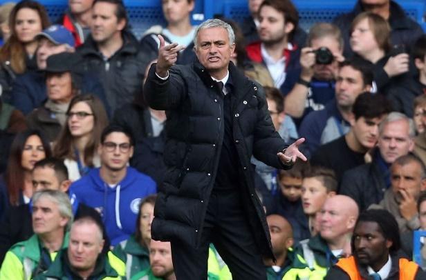 Manchester United et Mourinho humiliés à Chelsea