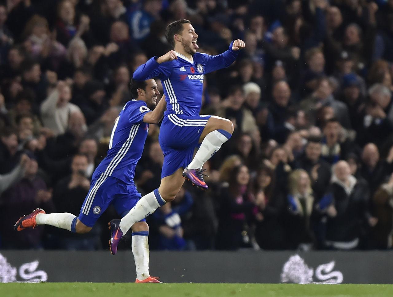 Premier League: Chelsea s'amuse, Manchester City déçoit
